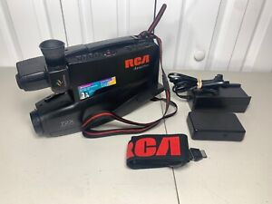 Vintage RCA Auto Shot VHS Camcorder Model CC4252 FOR PARTS or REPAIR Please READ