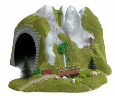 Busch 3016 NEW HO/OO TUNNEL WITH STREAM AND WOODEN FOOTBRIDGE