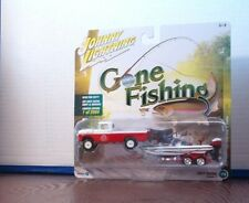 Johnny Lightning 1:64 Gone Fishing Set 1959 Ford F-250 with Boat & Trailer