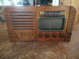Vintage 1940's RCA Victor Model 16T3 AM SW Tube Radio For Parts Restoration