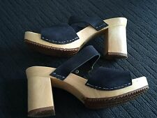 FUNKY RETRO-LOOK BLACK SUEDE STRAPPY WOODEN CHUNKY HEELED SLIP-ON`S Size 8 (39)