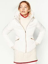 ZARA OFF WHITE SHORT PUFFER QUILTED ANORAK JACKET COAT WITH HIDDEN HOOD SIZE S