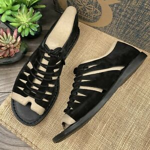 NIB Born Izhma Cutout Lace Up Vamp Comfort Flat Sandal Black Suede 8M