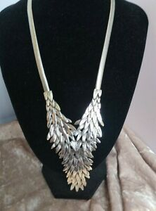 Heavy Feathered Silver Tone Necklace Evening Party Snake chain