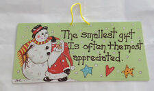 THE SMALLEST GIFT.... SMILEY WALL SIGN~CHRISTMAS DECORATION