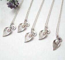 Bridemaid regalo W swarovski perla argento Calla Lily Collana con iniziale