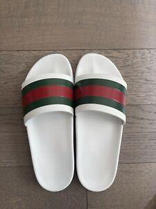 gucci flip flops men White