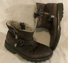 Girls Clarks Brown Leather Lovely Boots Size 6F (860v)