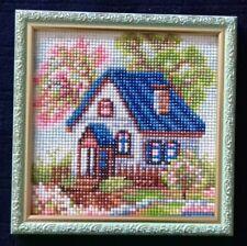 Haus im Frühling, fertiges Bild mit Rahmen, 18x18, Strass, Handarbeit