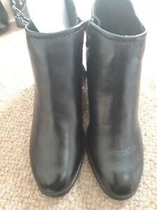 Bnib ladies size 5 black marco tozzi boots