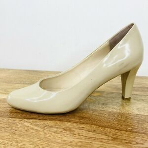 Sandler Womens Pump Heels Patent Nude Leather Round Toe Size 8.5 B