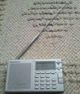 Radioshack DX-399 FM Stereo MW/LW/SW Portable Receiver; Tested; Works