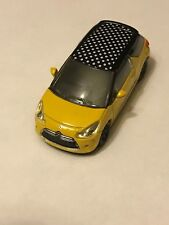 CITROEN  - DS3 JAUNE / NOIR   COLLECTION 3 INCHES  -  SERIE: 2014 1/64