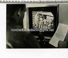 Original Pressefoto: TV on the Battlefront Airborne Loading opération