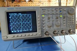 Tektronix TDS540, 4 Channel, 500MHz 1GS/s Oscilloscope complete with Probes