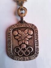 PORTE CLE JEUX OLYMPIQUES D'HIVER 1968 DE GRENOBLE