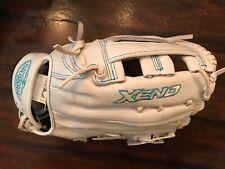 "Louisville Slugger XNLF19125 Softball Glove 12.5"" Xeno Series Left Hand Thrower"