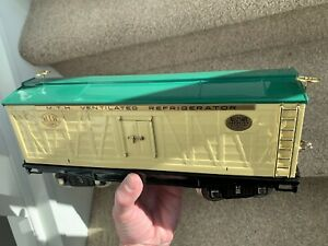 MTH Tinplate Traditions Standard Gauge # 214R Reefer - Ivory & Peacock w/Brass