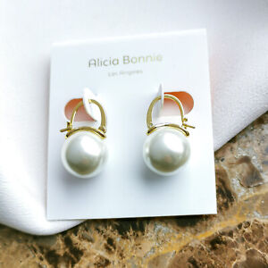 Alicia Bonnie Blanche Gold White Pearls Drop Earrings
