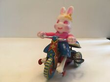 Vintage Bunny Rabbit on Tricycle Mechanical Wind Up Bike Made in Japan Suzuki