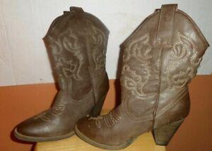 "Rue 21 women's Western Cowgirl boots 2"" heel Size 7/8 M"