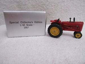 1987 Ertl Massey Harris #33 tractor National Toy Show 1/43 scale & box lot T