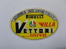 VECCHIO ADESIVO MOTO /Old Sticker SCUDERIA VETTORI CROSS CAMPIONE 76-77(cm 10x6)