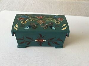 OLD NICE NORWEGIAN ROSEMALED BOX