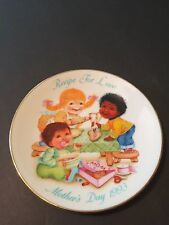 """Avon 1993 Mother's Day Plate """"Recipe for Love"""" Porcelain trimmed in 22K Gold"""