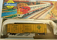 HO scale Athearn Delaware Hudson 50' SD Railbox car weathered D&H 24384