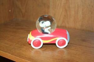 Hallmark Rare Snoopy Driving  Red Race Sports Car Snow globe Peanuts