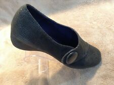 VANELi Grey Suede Shoes Size 9N Hook & Loop tops, Excellent Condition!