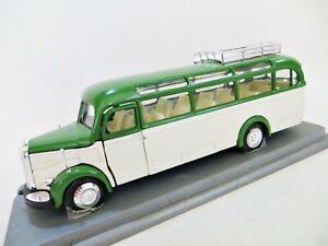 NZG '1949 MERCEDES-BENZ  OMNIBUS 0 3500 BUS/COACH' 1:43/1:40 GREEN/CREAM. BOXED.