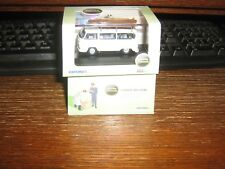 OXFORD DIE-CAST - VW BUS WITH SURF BOARDS in WHITE - 00 / 1:76