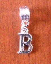 Pendentif argentée lettre B