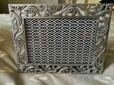 Ornate Metal photo frame in vgc *pre-owned* 7 x 5 inch