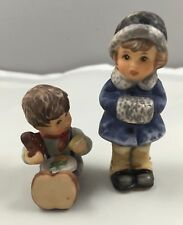 1999 Goebel Berta Hummel Figurine Set Of 2 Christmas Treats & Snug and Warm 625