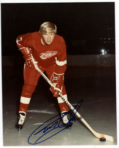 1   8 x 10 Glossy  Team Issued Photo  Autographed  Gary Unger - Cert