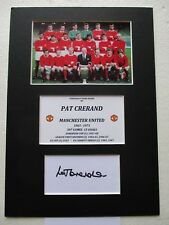 Manchester United Pat Crerand Hand Signed A4 Mounted Card & Photo Display - Coa