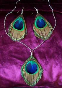 Trimmed Peacock Feather Necklace and Earrings Set