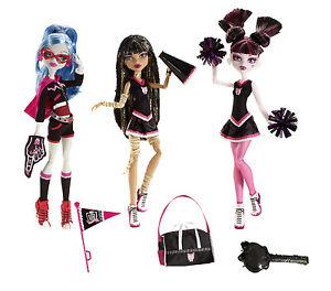 Monster High FEARLEADER Cheerleader Draculaura Cleo de Nile Ghoulia Yelps V7966