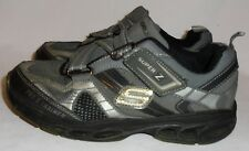 SKECHERS, LADIES GRAY LEATHER ATHLETIC SHOE, SIZE 5 M,  10 3/4 IN. LONG