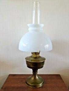 A Vintage brass Aladdin no.23 oil lamp working order original condition & shade