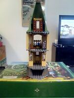 LEGO HARRY POTTER, TOWER #2 ONLY SET 4867 NO INSTRUCTIONS MINIFIGURES