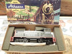 HO  Athearn RARE Southern Pacific SW 1500 Diesel Kit #2638 NIB Blue Box