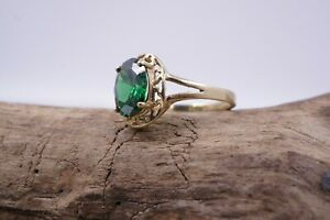 Beautifull  10K YELLOW GOLD and Green Tourmaline Ring 2.9 Grams Size 7
