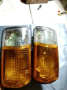 Toyota HiAce H10/H11/H20/H30/H40 Front Turn Signal Lamp Light Original Toyota