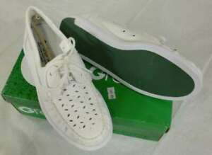 LADIES TAYLOR GREENZ CAMILLE BOWLS SHOES - WHITE MOCCASIN - SALE £12 OFF