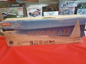 Kyosho Fortune 1/38th Racing Yacht #40012 Readyset