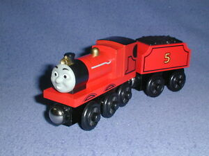JAMES LIGHTS THE WAY + TENDER Headlight Thomas Wooden Railway Tomy rare EUC